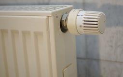 Regulador de calor en un calentador alemán detalladamente Imagen de archivo libre de regalías