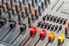 Regulador de mezcla video audio Console Fotos de archivo libres de regalías
