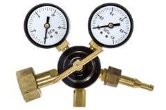 Regulador de presión de gas con el manómetro Fotos de archivo