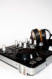 Regulador y auriculares de DJ Imagen de archivo