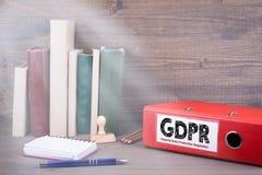 Regulamento geral da proteção de dados Pasta na mesa no escritório Imagem de Stock Royalty Free