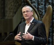 Regulator Phil Murphy av nytt - ärmlös tröja arkivbilder