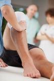 Rehabilitación de la pierna Foto de archivo libre de regalías
