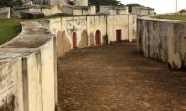 Reißen Sie Weg von manora Fort mit Hallentüren hin Stockfoto