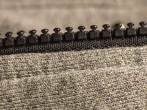 Reißverschluss in einem Sportsweatshirt lizenzfreie stockfotos