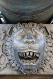 Rei Cannon no Kremlin de Moscou, cabeça do canhão do czar do leão Imagens de Stock