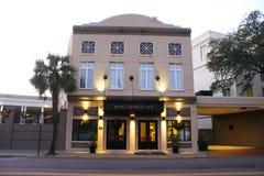 Rei Charles Inn na rua da reunião em Charleston, South Carolina imagens de stock