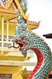 Rei da estátua do naga no templ tailandês Foto de Stock