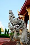 Rei da estátua do naga no templo tailandês Fotografia de Stock