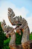Rei da estátua do naga no templo tailandês Imagem de Stock