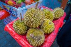 Rei dos frutos, durian no mercado de fruto, fim acima, Ubud Bali, Indonésia foto de stock