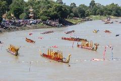 Rei longo tradicional Cup dos barcos de Tailândia da competição Fotografia de Stock