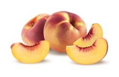 Reiche Gruppe und Stücke des Pfirsiches auf weißem Hintergrund Stockfoto