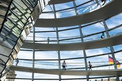 Reichstag圆顶的内部看法,柏林,德国 免版税库存图片