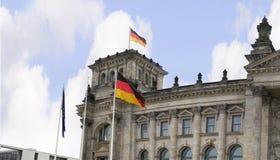 Reichstag是一栋历史的大厦在柏林,德国,被修建安置德意志帝国的皇家饮食 免版税库存照片