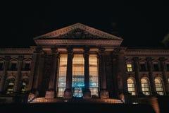 Reichstag à Berlin, Allemagne la nuit photographie stock libre de droits