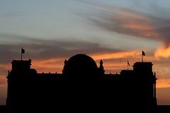 Reichstag bij zonsondergang Stock Foto