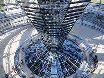 Reichstag - binnen de glaskoepel Berlijn, Duitsland royalty-vrije stock foto's
