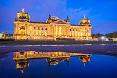 The Reichstag building at night in Berlin, Germany Royalty Free Stock Photography