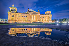 The Reichstag building at night in Berlin, Germany Stock Photos