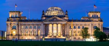 Reichstag byggnad i Berlin Arkivfoto