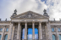 Reichstag byggnadsdetalj Arkivfoton