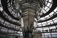 Reichstag - construction du parlement, à l'intérieur du dôme en verre. Berlin photos libres de droits