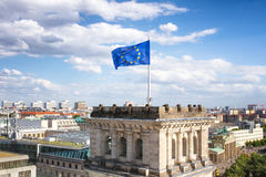 Reichstag-Europäerflagge Lizenzfreies Stockbild