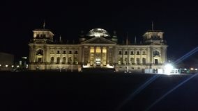 Reichstag på natten Royaltyfri Fotografi
