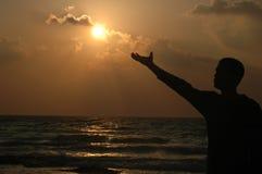 Reichweite zur Sonne Lizenzfreies Stockbild