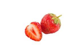 Reife Erdbeere lokalisiert auf weißem Hintergrund Lizenzfreie Stockfotos
