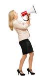 Reife Frau, die magaphone Schreien lokalisiert auf weißem backgr hält Lizenzfreies Stockbild