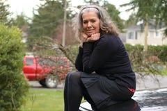 Reife Frau eifrig zu reisen Lizenzfreie Stockbilder