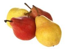 Reife gelbe und rote Birnen Stockfoto