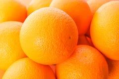 Reife Orangen als Hintergrund, Raum für Text stockbilder