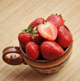 Reife saftige Erdbeere Lizenzfreie Stockbilder