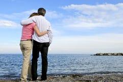 Reifen Sie romantische Paare Lizenzfreie Stockfotos