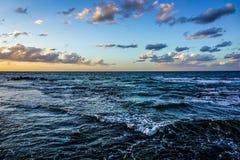 Reifen-steiniger Strand 03 stockbild