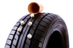 Reifen und Würfel stockbilder