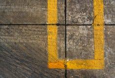 Reifenbeschaffenheit auf Straße Stockbilder