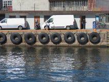 Reifenbootsstoßdämpfer in Kopenhagen Stockbild