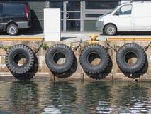 Reifenbootsstoßdämpfer in Kopenhagen Stockfotografie