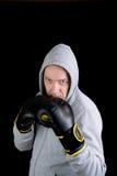 Reifer Mann mit Boxhandschuhen Stockfoto