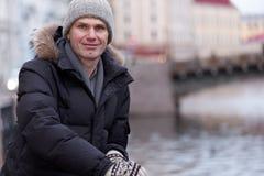 Reifer Mann n St Petersburg, Russland im Winter Stockbild