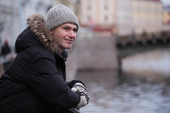 Reifer Mann n St Petersburg, Russland im Winter Lizenzfreies Stockfoto