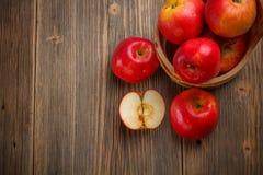 Reifer roter Apfel Stockfotos