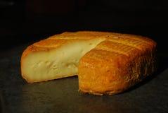 Reifer weicher französischer Maroilles Käse Stockbild