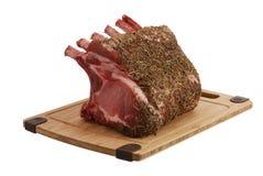 Reifes Schweinefleisch foreloin auf Bambusausschnittvorstand Stockfotografie