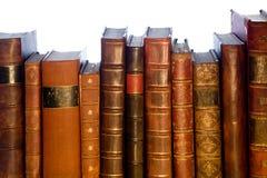 Reihe der antiken ledernen Bücher stockfoto