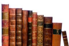 Reihe der antiken ledernen Bücher stockfotos